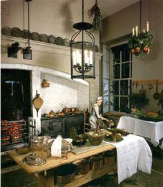 Georgian kitchen at Fairfax House in York Georgian Interiors, Georgian Homes, Victorian Homes, Victorian Design, Dark Interiors, Rustic Kitchen, Country Kitchen, Vintage Kitchen, Mini Kitchen