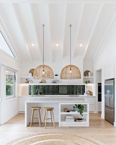 My Little Apartment (Inspiration) White kitchen with high ceilings and rattan pendants is the foolproof formula for a coastal kitchen Küchen Design, House Design, Design Ideas, Design Styles, Graphic Design, Design Elements, Decor Styles, Hair Design, Logo Design