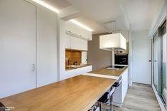 Cada Cocina tiene su propia Encimera Small Apartments, Interior Design Kitchen, Cabinet, Storage, Table, Furniture, Home Decor, Kitchens, Inspiration