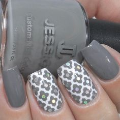 Fabulous Holo Moroccan nails by @carlysisoka  Carly is using our Moroccan Nail Stencils found at: snailvinyls.com