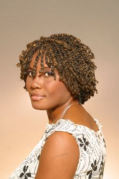 Creating Two Strand Twists With Extensions can be done two different ways; with a weave or singular strands of bulk hair. The two strand twists can look natural with extensions. Kinky Twist Styles, Short Kinky Twists, Hair Twist Styles, Flat Twist Hairstyles, Braid Styles, Braided Hairstyles, Short Hair Styles, Black Hairstyles, American Hairstyles