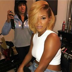 "8,371 Likes, 54 Comments - VoiceOfHair (Stylists/Styles) (@voiceofhair) on Instagram: ""Gorgeous bob ✂by #atlstylist @zmahoganyhair makeup by @makeupbymeisha_m on @antoinettelenae Honey…"""
