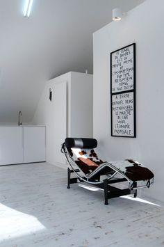 Loft contemporain / Minimaliste / épuré / blanc / intérieur moderne / Salon / Parquet / Architecte d'intérieur : Agence MAYELLE / Photo : ©Pierre Rogeaux