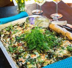 Stekt lax i gräddsås med soltorkade tomater och spenat - Landleys Kök Oliver, Chicken, Food, Green Bean, Cilantro, Essen, Meals, Yemek, Eten