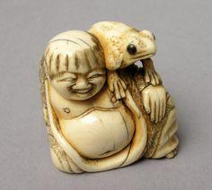 Elefántcsont netsuke · magassága: 4 cm 18–19. század · Japán · jelzete Msamori békésy györgy