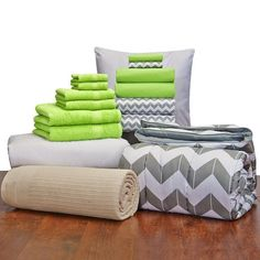 16 Piece Student Starter Pak - Twin XL College Dorm Bedding and Bath Set (Color: Kiwi and Gray Chevron)