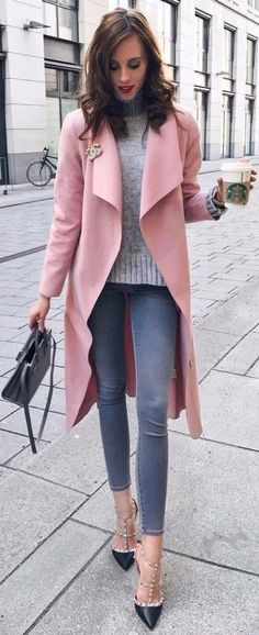 Amazing 42 Beautiful Casual Office Attire for Spring http://outfitmad.com/2018/04/17/42-beautiful-casual-office-attire-for-spring/