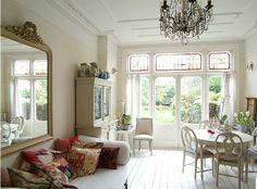 Edwardian house in England | Inspiring Interiors... so light :)
