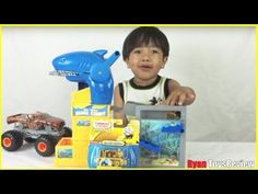 Ryan unboxed Thomas & Friends GOLD THOMAS the tank engine special edition Thomas And Friends Toys, Train Engines, Thomas The Tank, Diecast, Engineering, Shots, Drinks, Youtube, Gold