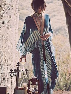 If you do in fact also extended being a hippies idol, be sure you know most of the rules and magnificence details on how to dress the boho-chic style trend! Hippie Style, Mode Hippie, Gypsy Style, Boho Gypsy, Hippie Boho, Bohemian Style, Bohemian Fashion, Gypsy Chic, Bohemian Summer