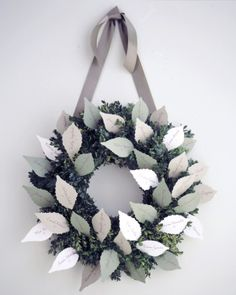 12 DIY Winter Wedding Ideas to Break the Ice at Your Celebration: Wreath Escort Card Display