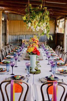 Ambientación de bodas mexicanas con una mesa impresionante.