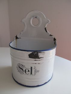 antique french enamel salt box http://www.forhouseandhome.co.uk/for-the-home/at-the-table/enamelware/p11013