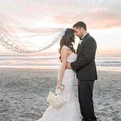 Swept away by love💕💨 #WeddingWednesday @lisasorokophoto