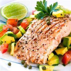 Peppered Salmon with Avocado, Caper Salsa in less than 15 mins.  #metabolicallyprecisemeal #lean #fatloss #precisionnutritionrecipes