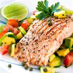 Peppered Salmon with Avocado, Caper Salsa in less than 15 mins.  #metabolicallyprecisemeal #lean #fatloss