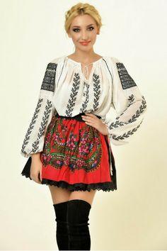 Ie Traditionala Romaneasca Maneca Lunga Motivul Ciorchine Negru