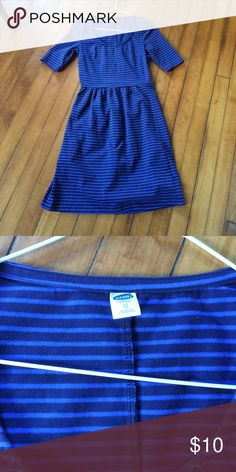 Old Navy Women's XS Striped Dress Blue Women's Old Navy Dress. XS. Blue Stripes. Slightly longer than short sleeves. Only worn a couple of times. Old Navy Dresses