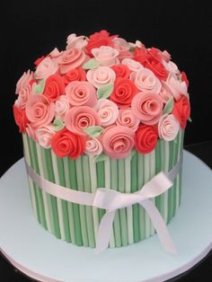 This would make an awesome Mother's Day Cake! The roses are perfect. Mothers Day Cakes, Bouquet Cake, Flower Bouquets, Cake Mothers Day, Cake Flowers, Flower Cakes, Mother'S Day Cakes, Awesom Mother, Birthday Cakes