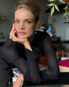 Berluti and Natalia Vodianova Raise Funds for the Supermodel's Naked Heart Foundation 10 Most Beautiful Women, Most Beautiful Faces, Beautiful Eyes, Natalia Vodianova, Balmain Hair, Russian Models, Makeup Revolution, Mannequins, Beauty Hacks