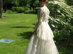 A Wedding Dress Comes With A Note And Moves Everyone