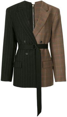 Strateas Carlucci bi-sect Macro blazer Source by homme tendance Kpop Fashion Outfits, Mode Outfits, Hijab Fashion, Korean Fashion, Casual Outfits, Look Fashion, Fashion Details, Womens Fashion, Fashion Design