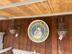 #illuminazione #applique #luxuryhome#homedesign #pezziunici#homedesign #homesweethome Italian Country Decor, Bottle Opener, Barware, Applique, Wall, Walls, Tumbler