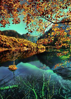 Wonder lake, China.