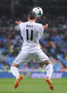 Gareth Bale controls the ball during the La Liga match between Real Madrid CF and Rayo Vallecano de Madrid at Estadio Santiago Bernabéu on March 29, 2014 in Madrid, Spain.