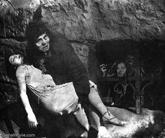 """Lon Chaney (Quasimodo) and Patsy Ruth Miller (Esmeralda) in """"The Hunchback of Notre Dame"""" (1923)"""