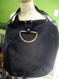 Bolso ,cuero sintético negro