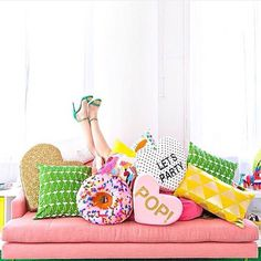 This sofa is super HappyDeco with a touch of Pop. Cushions of fruits and donuts are trend, feel free to dive into them as she has!