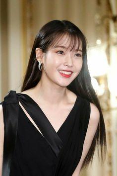 "IU 190708 ""Hotel Del Luna"" Press Conference Korean Actresses, Korean Actors, Euna Kim, Korean Beauty Girls, Model Face, Iu Fashion, Kdrama Actors, Soyeon, Korean Celebrities"