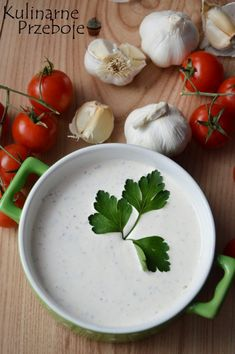 Sos czosnkowy - najlepszy przepis - KulinarnePrzeboje.pl Polish Recipes, Food Design, Family Meals, Pesto, Grilling, Garlic, Spices, Food And Drink, Appetizers