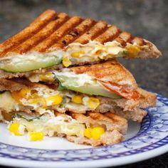 Sommerliches Gemüse-Sandwich mit Zucchini und Feta - Kochkarussell