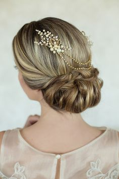Bridal accessories | Hair Handmade By Sara Kim | Photo by Ashley Bee | Read more - http://www.100layercake.com/blog/wp-content/uploads/2015/03/bridal-accessories-inspiration