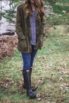 Plaid & Pearls // Rainy day spring outfit with a J. Crew gingham shirt, a green army jacket, and hunters