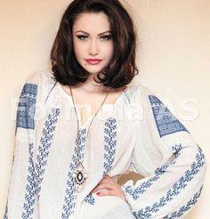 Via La Blouse Roumaine Embroidery Motifs, Going Out, Kimono Top, Casual, Ukrainian Art, Outfits, Clothes, Beauty, Beautiful