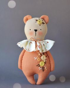 Best 11 This mama bear wishes you happy end of the week and a nice weekend! Softie Pattern, Crochet Doll Pattern, Tilda Toy, Fabric Animals, Fabric Toys, Bear Doll, Sewing Toys, Handmade Felt, Soft Dolls