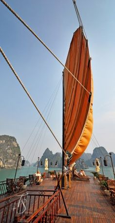 Halong Bay - Ha Noi, Vietnam. http://hoianfoodtour.com/ #hoianfoodtour #halongbay #vietnam