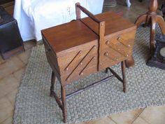 antiguo costurero en roble  articulo de Tiendarústica.com