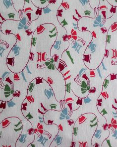 """Full vintage feedsack fabric charming print with little by oodles.  Extraordinary reminder of the days before you could """"tumble"""" dry clothes!"""