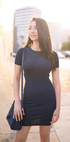 Everlane Micro Rib Tee Dress in Navy. Everlane bodycon dress with crew neck  and short e70861825353
