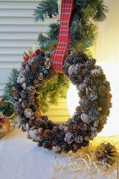 Купить Венок из шишек - венок, венок на дверь, венок из шишек, венок на стену, венок новогодний