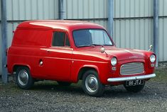 old ford trucks Classic Cars British, Ford Classic Cars, Classic Trucks, Vintage Vans, Vintage Trucks, Old Trucks, Ford Anglia, Old Lorries, Best Car Insurance