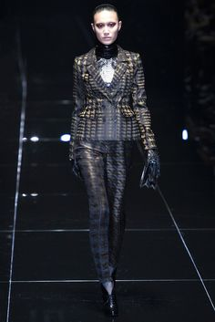 Gucci Fall 2013 Ready-to-Wear Fashion Show - Shu Pei Qin