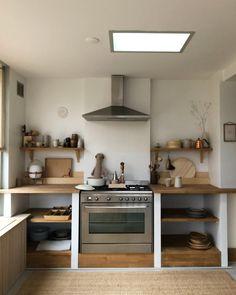 Hearsay, Lies and Kitchen Design & Storage Inspiration - myhomeorganic Home Decor Kitchen, Kitchen Interior, New Kitchen, Home Kitchens, Küchen Design, House Design, Interior Design, Interior Work, Unfitted Kitchen