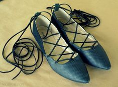 WobiSobi: Lace up Shoe, DIY