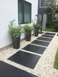 33 Stunning Side Yard Garden Design Ideas - GARDEN- That narrow strip of land that connects your front yard to your backyard on each side of your house better known as a side yard is usually seen as wasted space that is good for little more … Gravel Garden, Garden Paths, Brick Garden, Garden Shrubs, Cedar Garden, Gravel Patio, Wooden Garden, Herb Garden, Vegetable Garden