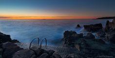 https://flic.kr/p/xQmxnX | Sunrise over Sea, city of Antibes Juan Les Pins, French Riviera by Domi RCHX Photography | Lever du soleil sur la mer, ville d'Antibes Juan Les Pins, Côte d'Azur, FRANCE par Domi RCHX Photography
